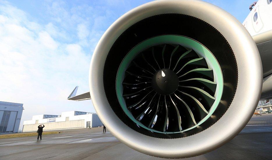 エアバスは同エンジンを搭載した「A320ネオ」の引き渡しを一時停止する事態に陥っている(A320neoに搭載されたP&W製ターボファンエンジン、ブルームバーグ)