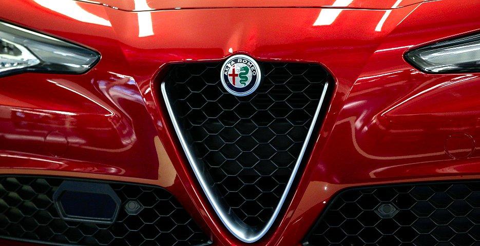 FCAは商用車の一部で選択肢は残すものの、ディーゼルエンジン車の生産・販売からは撤退する方針だという(ブルームバーグ)
